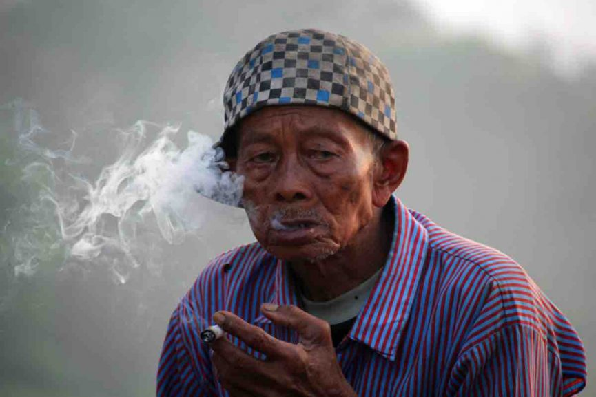 vapingdaily-smoking-Indonesian