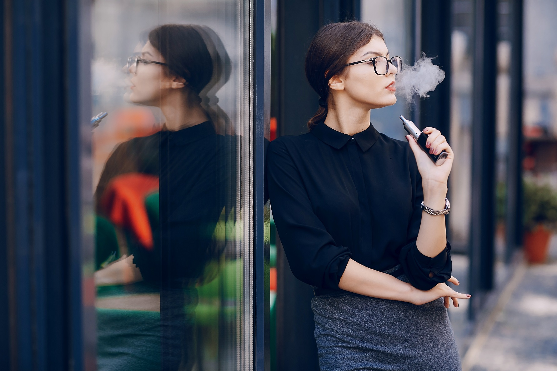 brunette girls outdoor vaping ideas