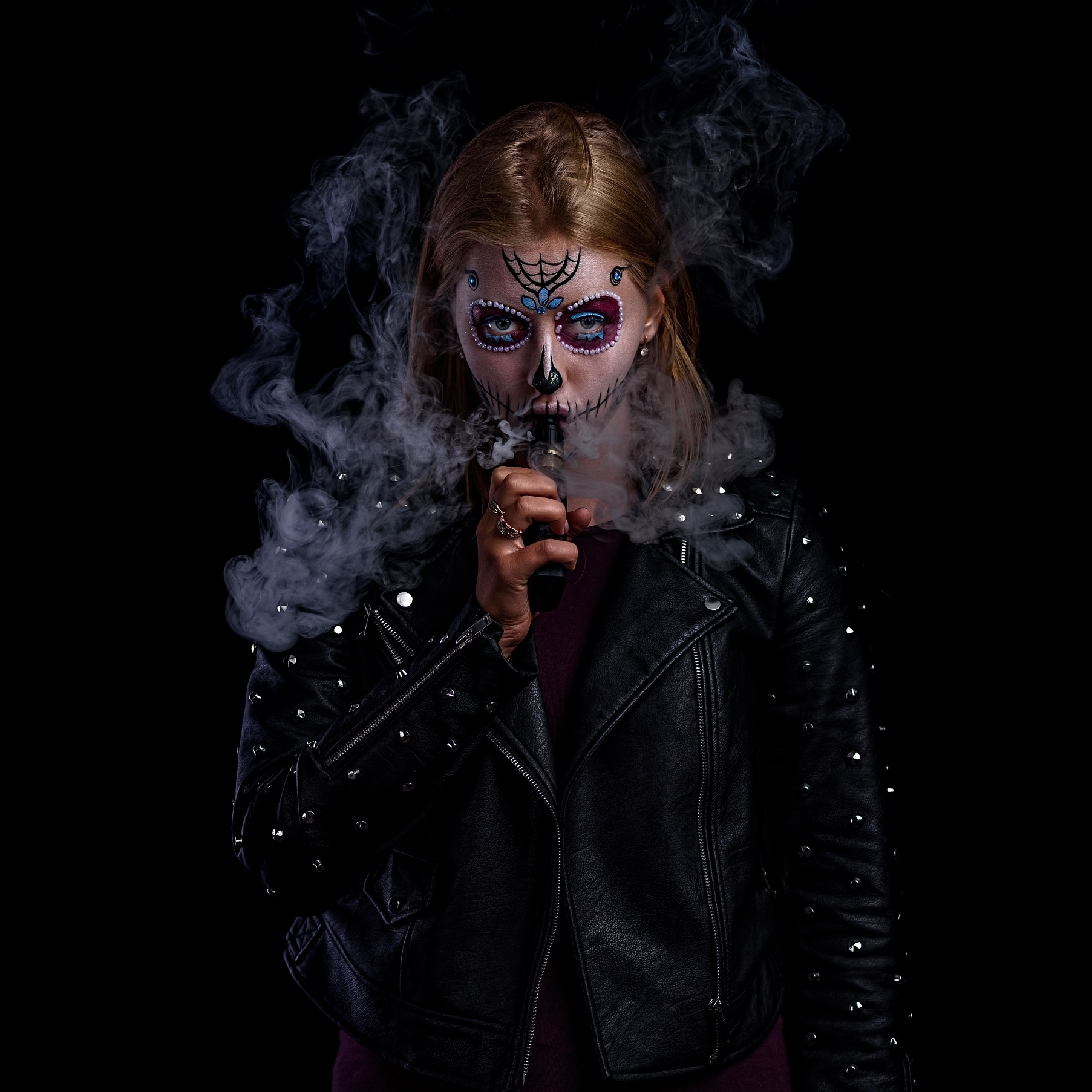 vaping girl with scary make up