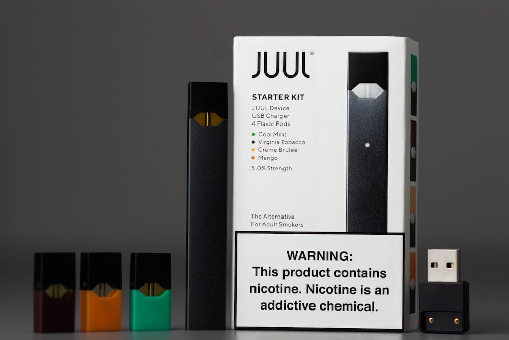 JUUL Starter Kit Box Contents